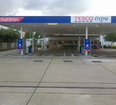 Tesco Forecourt, Havant